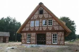 Fachwerkhaus Neubau Preis : neubau eines fachwerkhauses mit reetdach und w rmepumpe in ~ Lizthompson.info Haus und Dekorationen