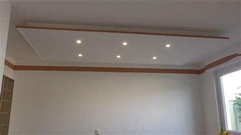 Decke Abhängen Und Led Strahler Und Led Strips Light
