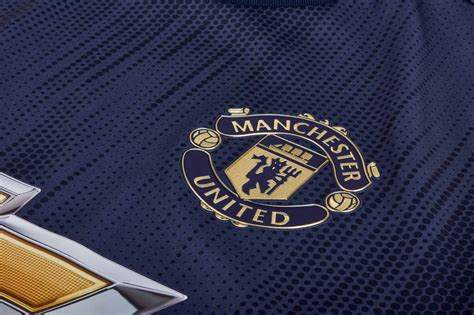 adidas manchester united  authentic jersey