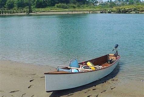 Electric Boat Spars by Robbie