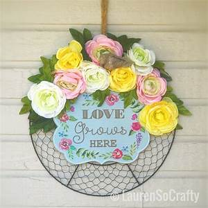 Flower, Wreath, Chicken, Wire, Frame, Perfectly, Country, And, Charming, This, Wreath, Can, Be, Hung, All