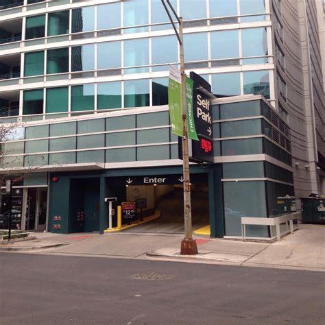 chicago parking garages streeter garage parking in chicago parkme