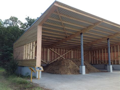 toiture de hangar les hangars ossature bois abt construction bois