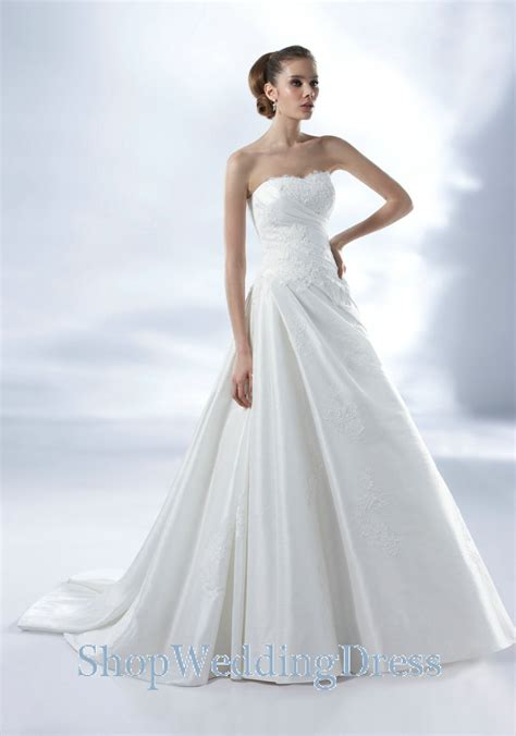 white bridesmaid dresses the popularity of white wedding dresses cherry