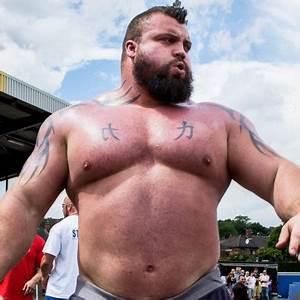 320lb Strongest Man Fights A 140lb Professional Boxer