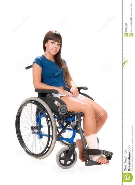 femme handicap 233 sur le fauteuil roulant image libre de