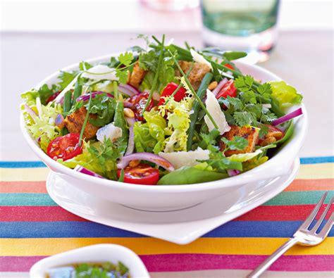 cuisiner la salade verte easy recipe green salad with cherry tomatoes