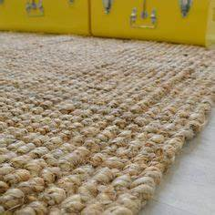 Tapis on pinterest tricot stockholm and salons for Tapis naturel jute