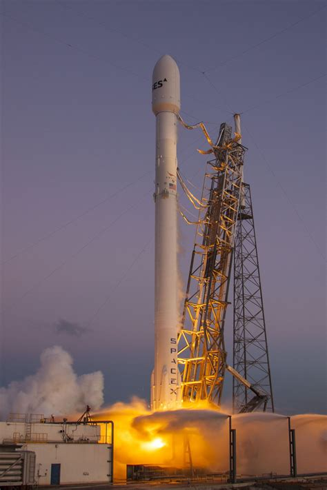 images   spacex rocket launch    plane