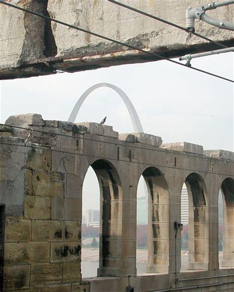 st louis light rail arches