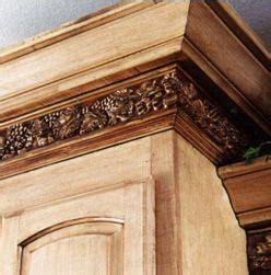kitchen cabinet moulding ideas do it yourself cabinet crown molding ideas colored 5602