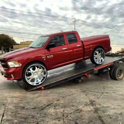 Ram 1500 Suv by Dodge Ram 1500 Ridin Big Rims 3d Whips Suv Trucks