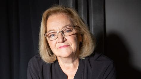 Leļļu teātra režisore Vija Blūzma svin 70 gadu jubileju ...