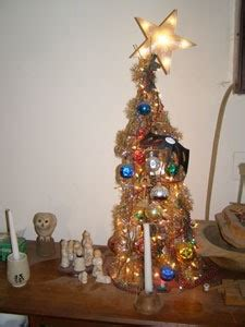 making tabletop christmas trees thriftyfun
