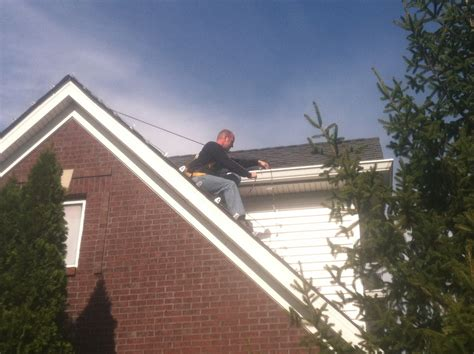 install christmas decorations on roof louisville ky lighting company service