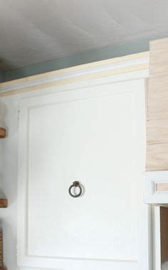 how to build kitchen cabinets the crown molding on the cabinets is a 3 detail that 7199