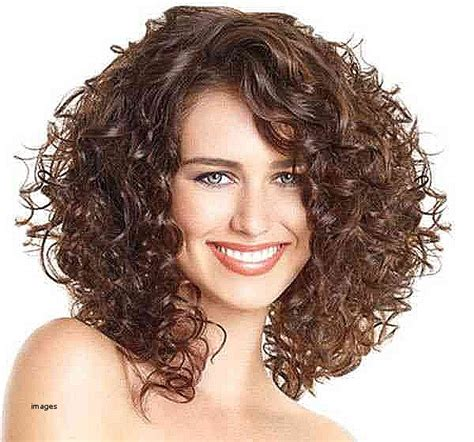 medium length curly hair style awesome hairstyles for naturally curly hair medium length 7709