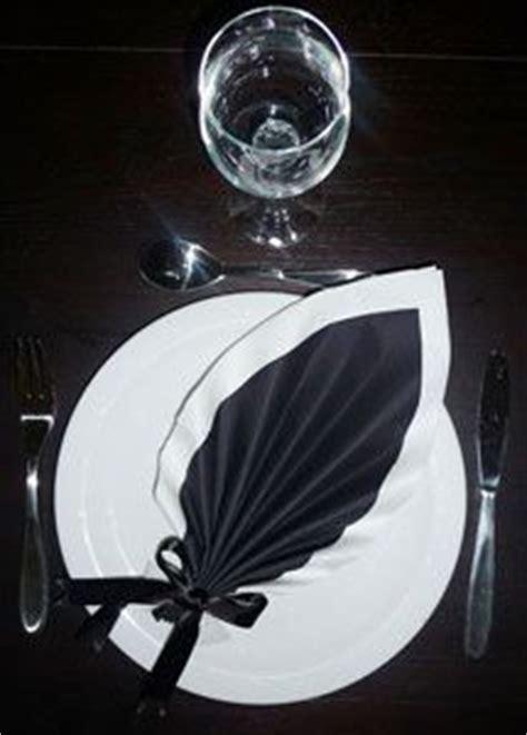 pliage de serviette on mariage folding napkins and tables