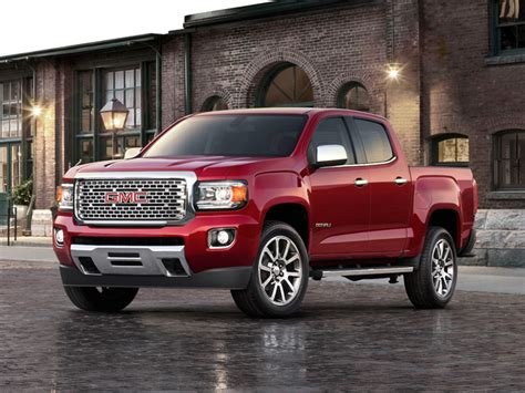 gmc canyon review pricing  specs
