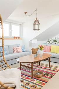Teppich Im Wohnzimmer : die besten 25 teppich bunt ideen auf pinterest boho kissen hippie garten und zigeuner dekoration ~ Frokenaadalensverden.com Haus und Dekorationen