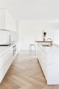 Pavimento laminato in cucina – Restauro di edifici