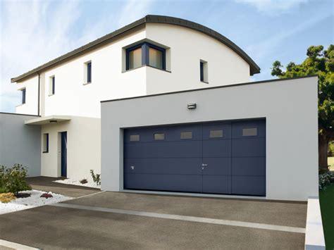 porte de garage sectionnelle de grande taille