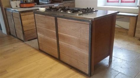 cuisine bois metal habillage pour meuble de cuisine en métal et bois par geri