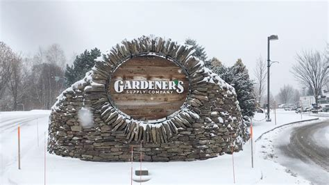 Gardeners Supply Williston Vt by Gardener S Supply Buys Longacres Expands To Lebanon Nh