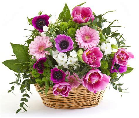 cesti di fiori efiorista in italia ti aiuta a consegnare o