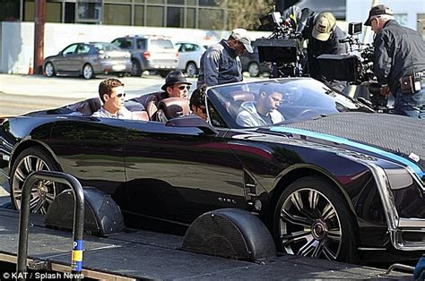 entourages kevin connolly breaks leg playing catch