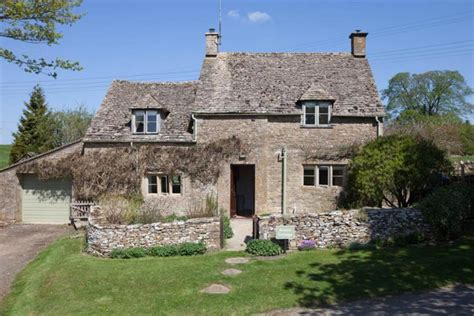 Cotswolds Cottage by Avery Cottage Cotswold Gling Pods And Cottages