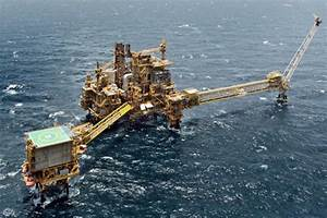 New Operator for Qatar's Largest Offshore Oil Field? - Oil ...