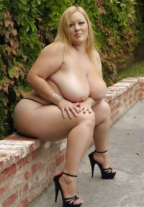 Hot Curvy Girls 2 Beautiful Women