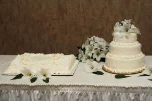 costco wedding cakes our two wedding cakes