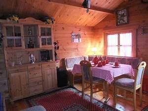 Gartenhaus Gemütlich Einrichten : gem tlich eingerichtetes gartenhaus ~ Orissabook.com Haus und Dekorationen