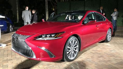 lexus es  prettier   tech rich