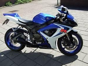 Piece Suzuki Auto : gratis foto motor racemotor suzuki gratis afbeelding op pixabay 1171515 ~ Melissatoandfro.com Idées de Décoration