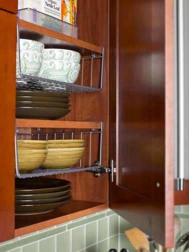 ranger placard cuisine doubler rangement placard cuisine avec paniers sous étagères