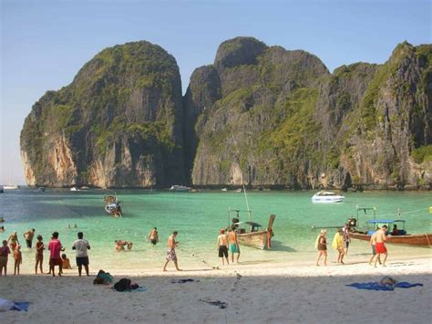 Closed To Tourists! Koh Phi Phi & Boracay. Where Should Be