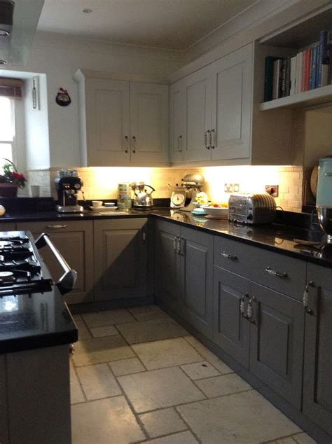 farrow and kitchen cabinet paint painted kitchen farrow and cornforth white and mole 9665