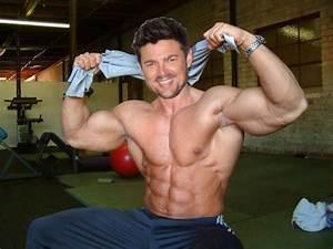 Muscle Morph: Karl Urban 1 by doryfan1 on DeviantArt