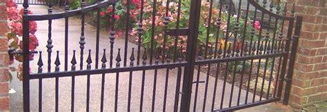 prix portail fer forgé prix d un portail en fer forg 233 co 251 t moyen tarif de pose