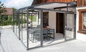 Terrassenuberdachung mit freiluft gefuhl topas solar veranda for Günstige terrassenüberdachung