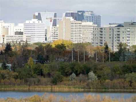 saskatoon regina  fastest growing youngest cities
