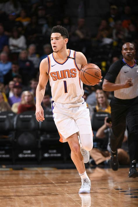 His father exposed devin to basketball at an early age, as melvin played professionally both in the. Devin Booker | Devin booker, Basketball players nba, Nba ...