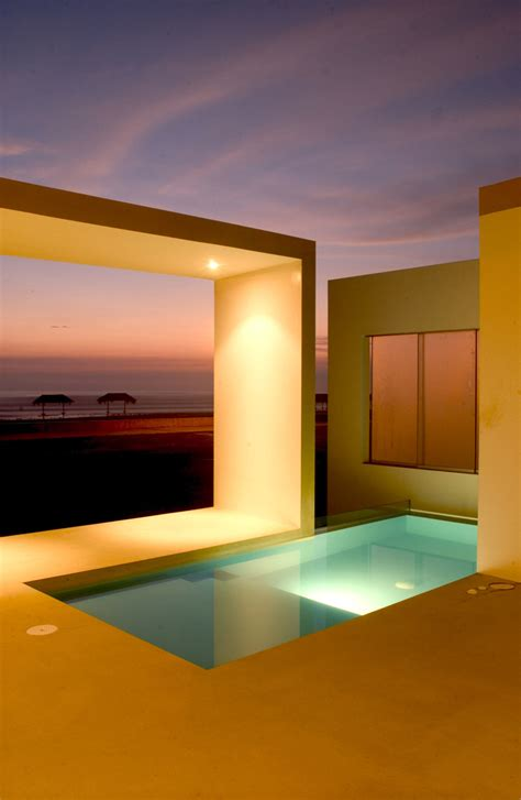 modern small beach house design  peru  javier artadi