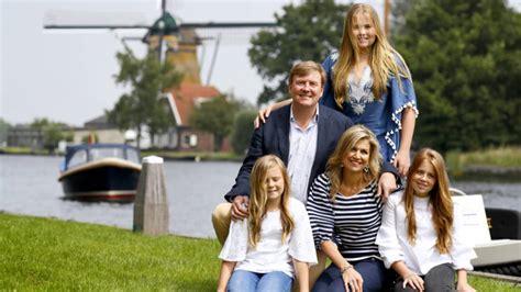 koninklijk huis familie oer hollandse plaatjes bij jaarlijkse fotosessie