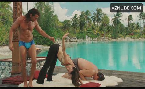 Kristin Davis Bikini Scene In Couples Retreat Aznude