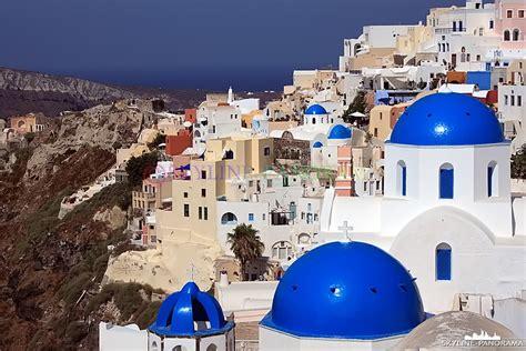 Santorini Griechenland - Kirchen in Oia - skyline-panorama.de