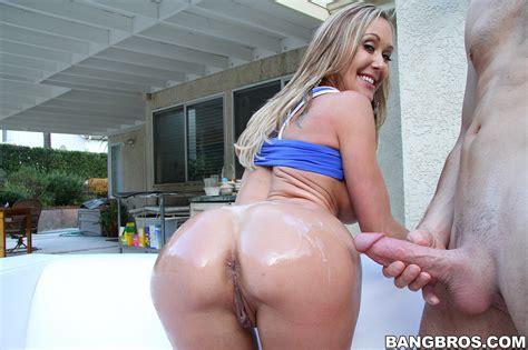 Round Ass Milf Porn Star Brandi Love Screwed Milf Fox